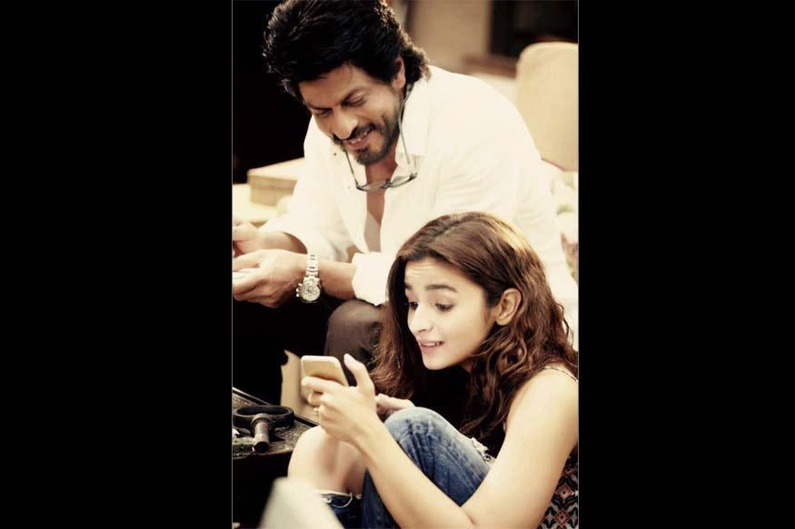 SRK, Alia Bhatt Tease Fans With Dear Zindagi Tweets