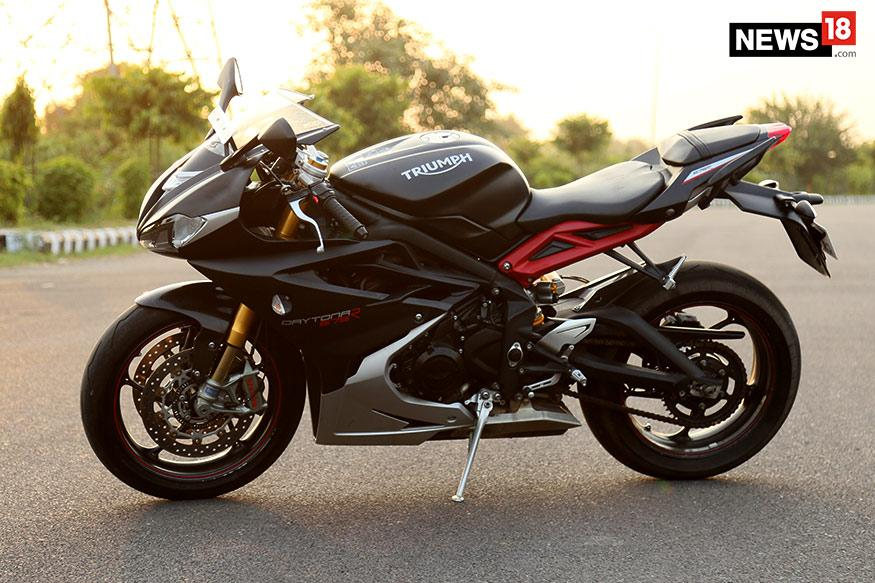 Triumph Daytona 675r Review A Shotgun Among The Swords