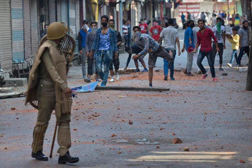 Two protesters killed in Indian Kashmir clashes