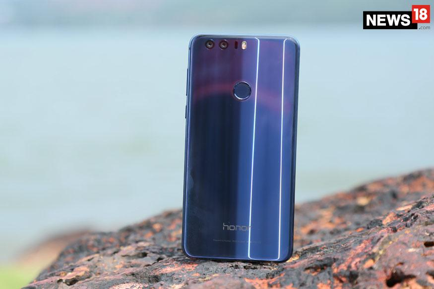 Honor 8 With Dual Camera in Sapphire Blue Colour To Launch On 12 October