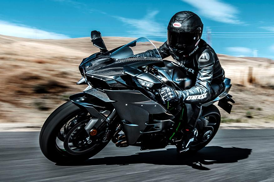 2017 Kawasaki Ninja H2 and Ninja H2R Unveiled at Intermot