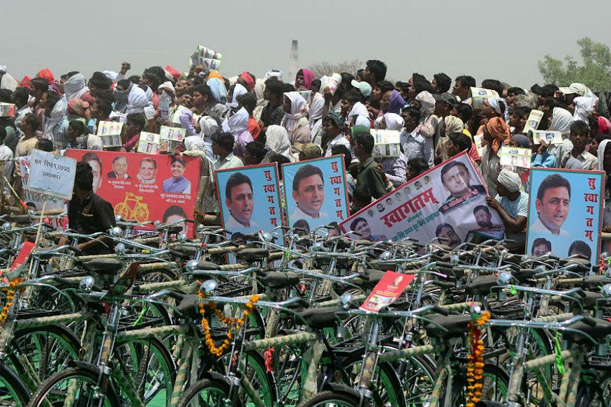 'Akhilesh Pedalling Cycle That Is On Its Stand', Says Rahul