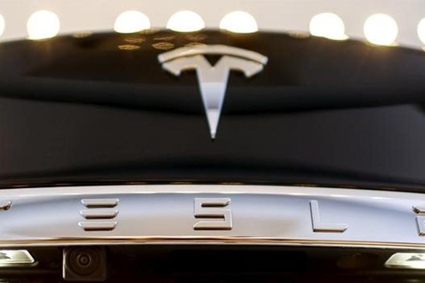 Tesla Drivers Get Warning Letters Over Autopilot Feature in Germany