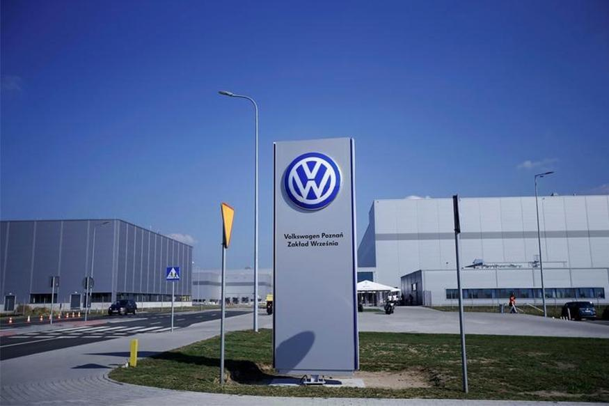 Volkswagen Brand Profit Plunges, Porsche Lifts Group