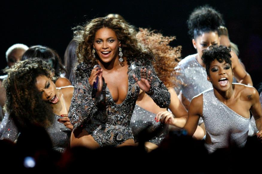 A Bride Performed Beyonce-Inspired Dance Routine For Her Husband And It's Flawless