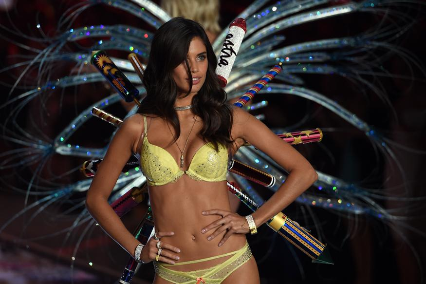 Five Things We Know About the Victoria's Secret Fashion Show 2016