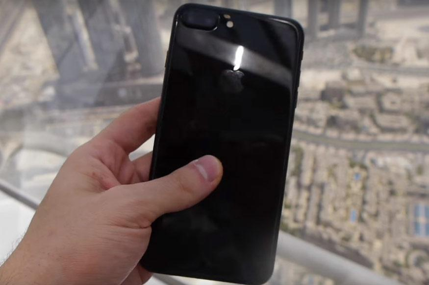 This Guy Dropped an iPhone 7 Plus From The Top Of Burj Khalifa and It's Heartbreaking