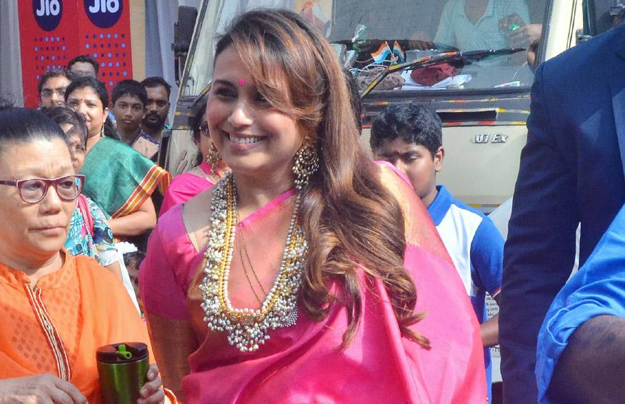 Rani Mukerji Looks Elegant As She Makes A Rare Appearance For Durga Puja