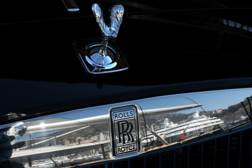 Indian Businessman Pays $9 Million To Get Unique Dubai Number Plate For His Rolls Royce