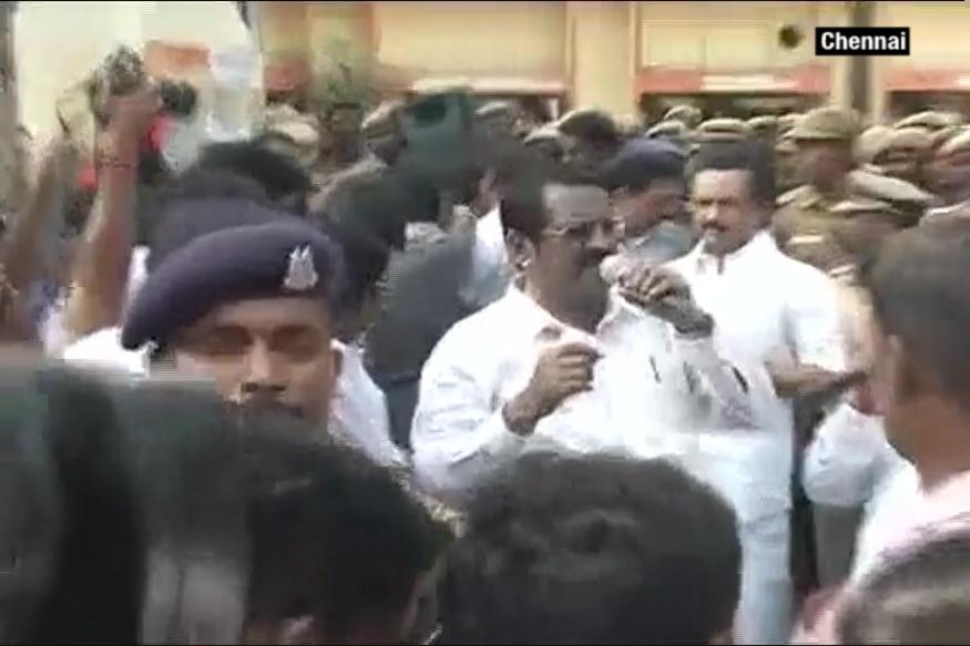 Cauvery Row: DMK's Stalin Joins Farmers Protests; Opposition Stages Rail Roko
