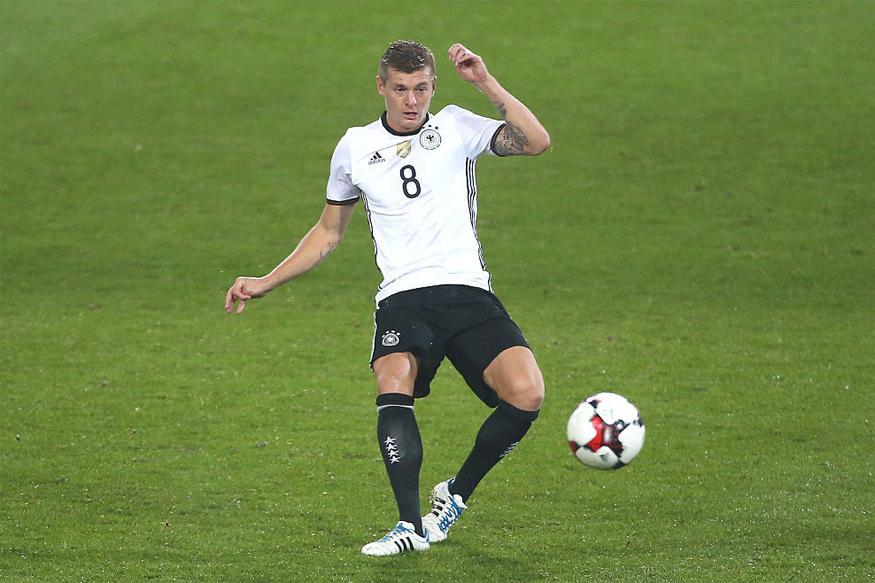 Midfielder Toni Kroos Extends Real Madrid Deal