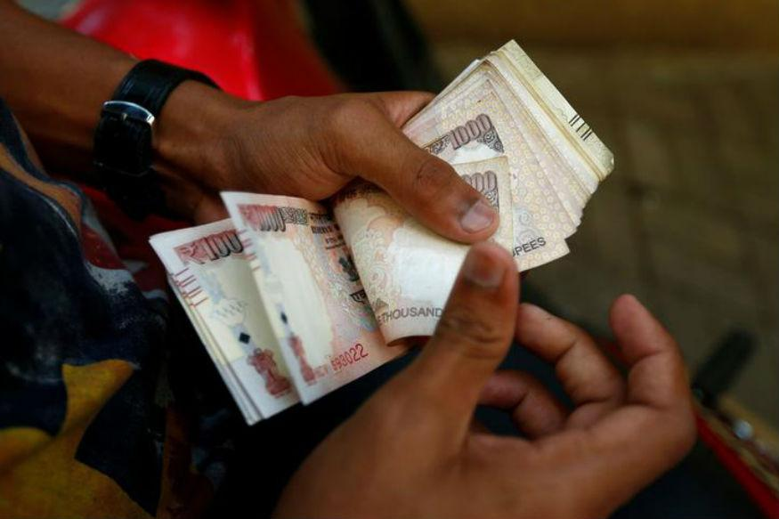 Old Rs 500 Notes Valid Till Dec 2 Instead of Dec 15 for Fuel, Air Ticket Purchase