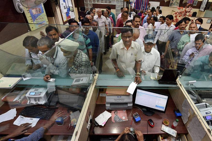 Demonetisation Rush at Banks has Cashiers 'Weeping', Say Bank Unions