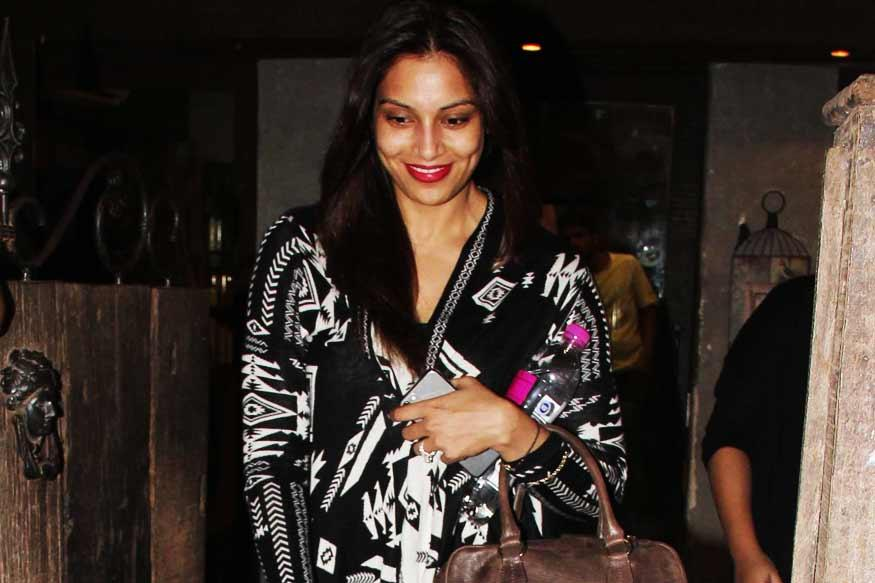 Bipasha Basu Gives a Fitting Reply To Rumours About Her Alleged Pregnancy
