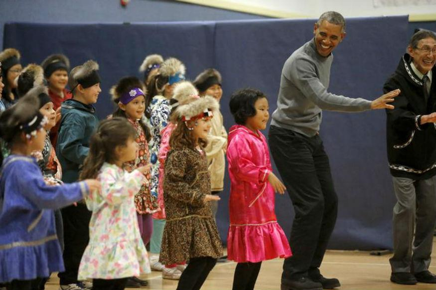 Obamas Dance to Michael Jackson's 'Thriller' at White House Halloween