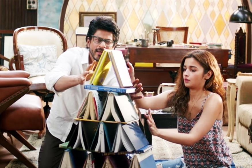 Alia Bhatt-Shah Rukh Khan's  Dear Zindagi Mints Rs 32.50 cr in Opening Weekend