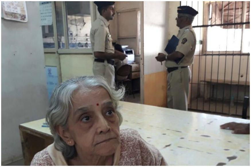 Mumbai Police Reunites Elderly Woman With Family; Internet Lauds Their Effort