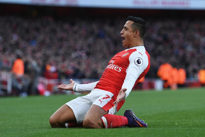 Alexis Sanchez Double Keeps Arsenal in Title Hunt in EPL