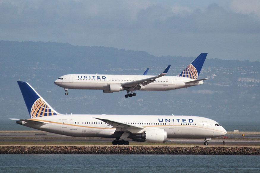 Passenger jumps from United Airlines plane onto Houston tarmac
