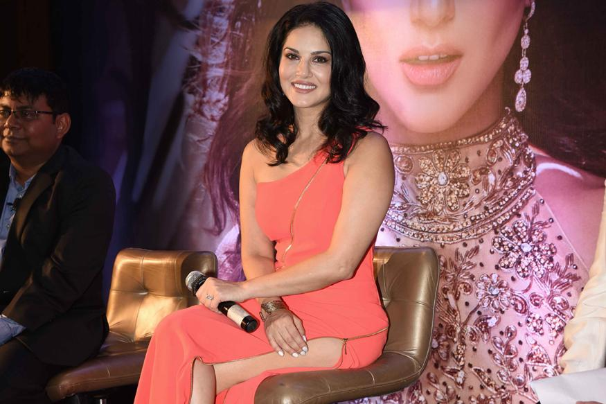 Realised Quickly That Bollywood Wasn't Going To Change For Me: Sunny Leone