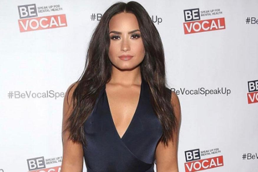Internet Mocks Demi Lovato After She Says She's '1 Percent African'
