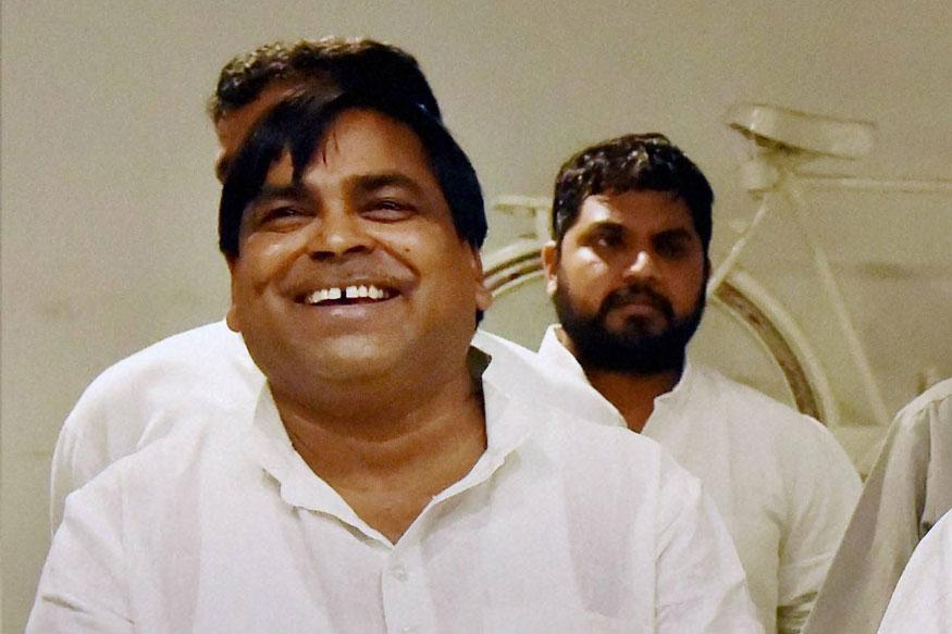 Centre calls on Gayatri Prajapati to present case in court