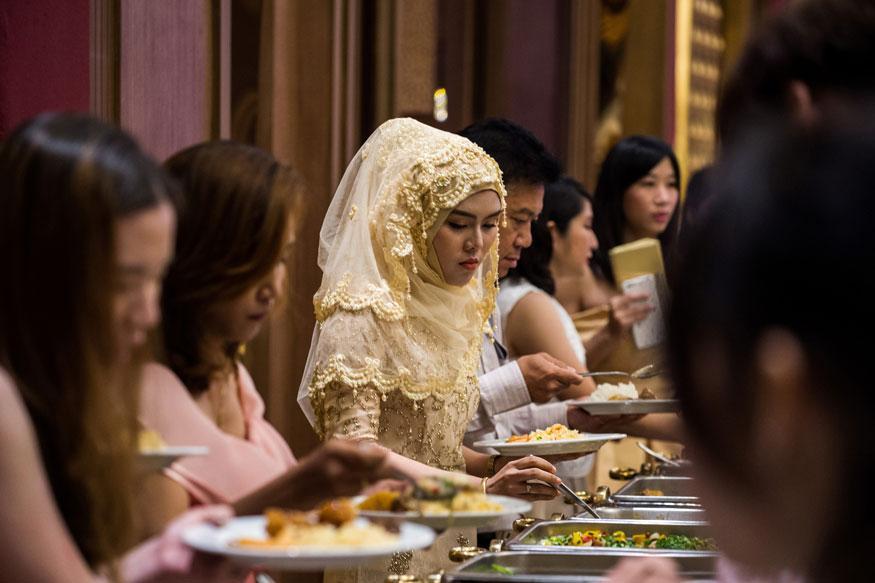 Tourism to Food, Buddhist Thailand Hunts Halal Gold