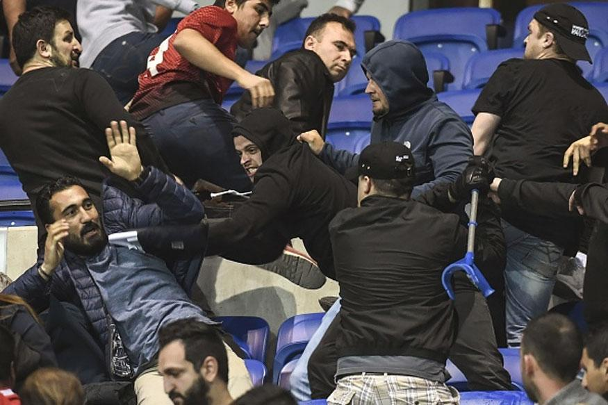 Europa League: Lyon and Besiktas given suspended bans after crowd trouble