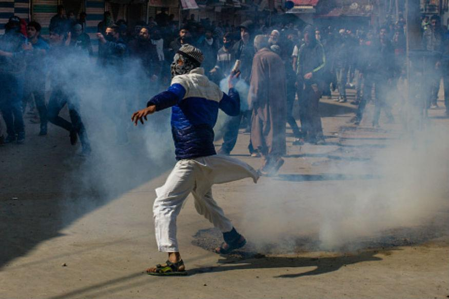 J&K Government Suspends Internet in Kashmir Valley for a Month