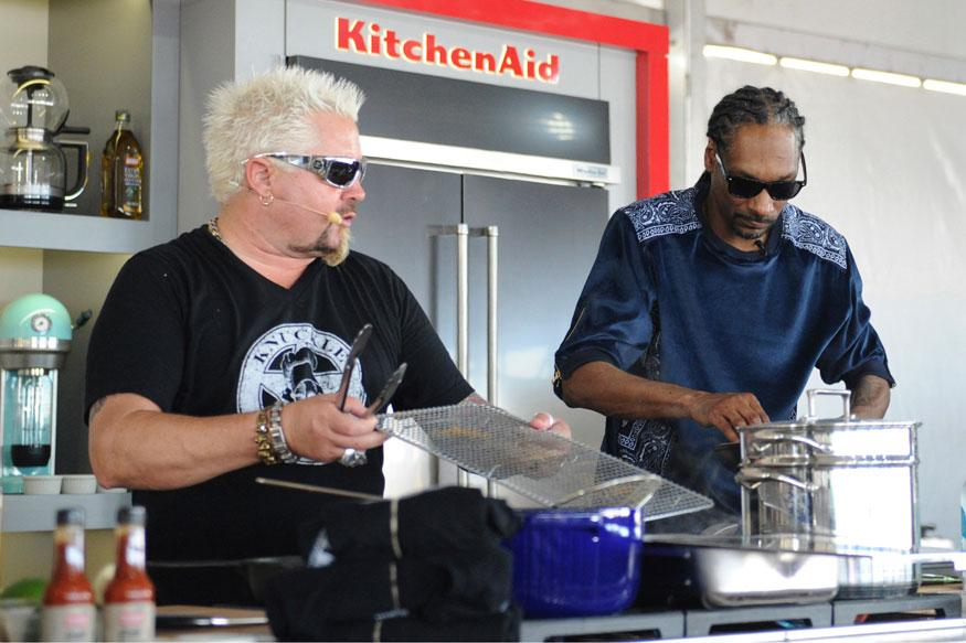Rappers like Snoop Dogg, Becoming Fixtures on Food Scene