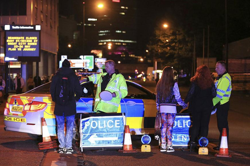 19 Killed, 50 Injured in Blast at Ariana Grande Concert in Manchester Arena